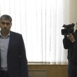 """Казяков продолжает активно """"гадить"""" журналистам """"КДК""""."""