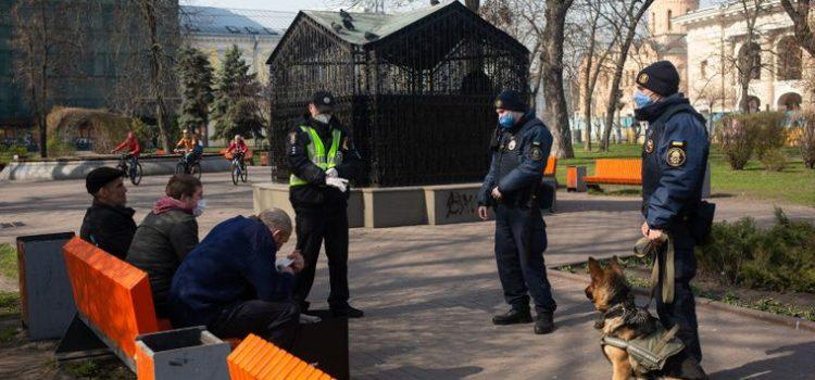 Біг у парку, поїздка за місто та маски: що можна і не можна робити на карантині